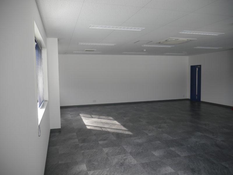 ダスキン関稲口支店 事務室