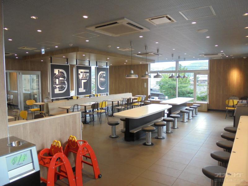 マクドナルド島田中河町店 2F客席